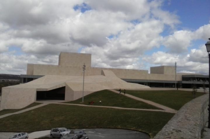 Palacio-de-congresos-Lienzo-Norte